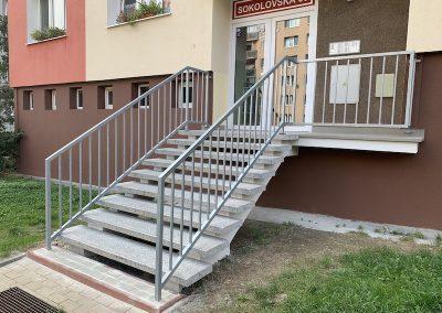 Revitalizace vchodu do bytového domu
